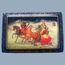 Vintage Russian Lacquer Footed Trinket Gift Jewelry Ring Snuff Box