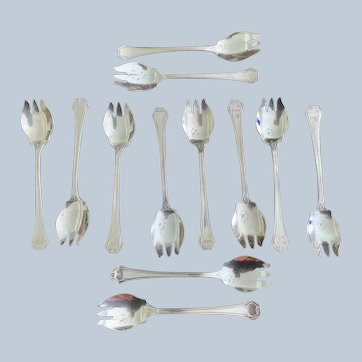 """Reed & Barton """"Pompeian""""  Silver Plated Ice Cream Forks"""