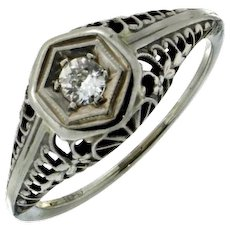 1920's - 1930's Art Deco 18K Filigree Diamond Ring