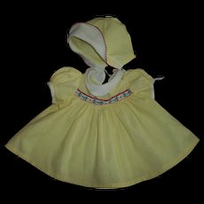 "Adorable Vintage Yellow With Pique Trim Dress & Bonnet Factory Set For 20"" Dy-Dee"