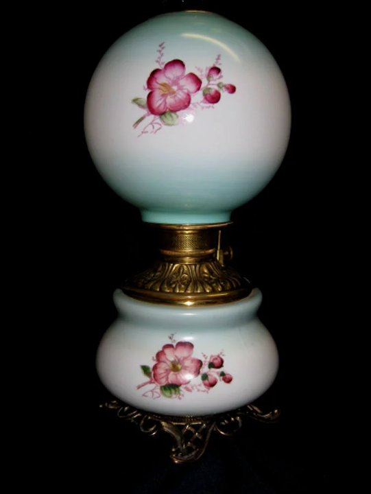 Victorian Fostoria Gone With The Wind Oil Lamp