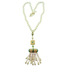 Hand Knotted Glass Pearl Three Dimensional Pendant Torsade Statement Necklace