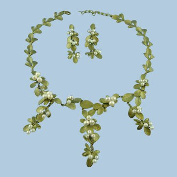 Designer Signed Michael Michaud Barberry Fresh Water Pearl Necklace Set