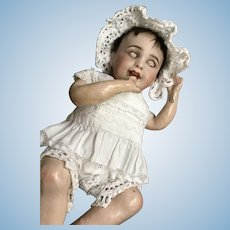 Sweet rare laughing baby sfbj size 0 with her cradle