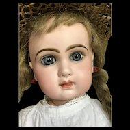Beautiful and sweet bebe Jumeau size 12