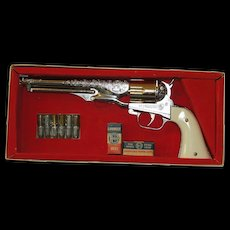 Amazing 1958 Hubley Colt 45 Repeating Cap Pistol / Gun - Rare & Outstanding in Original Box!