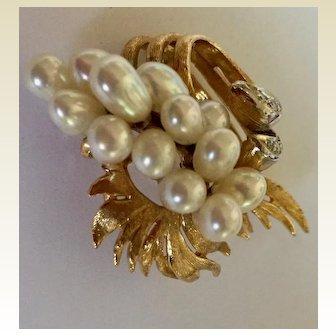 Brooch: 14K Gold, Diamond, Pearl Waterfall Pin, 40s