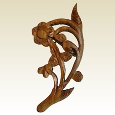 Wooden floral pin:  flowers leaves carved in delicate carving