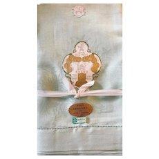 Vintage Green Damask Irish Linen Damask tablecloth and six napkins: unused