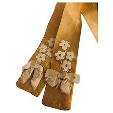 Vera yellow silk tie: 44 inches: