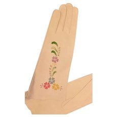 Vintage: White woman's Italian embroidered leather gloves: size 7
