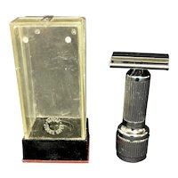 Stahly Live Wind-Up Vibrating Razor w/Case