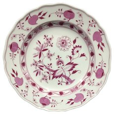 Meissen Crossed Swords Red Onion Plate circa pre-1924