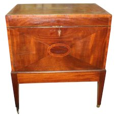 Mahogany Federal Hepplewhite Cellarette early 19th c