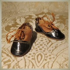 Pair of 2-Tone Shoes for German Child Doll
