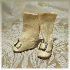 Tiny Original Pair of Slippers for Barefoot Mignonette