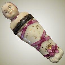 China Swaddled Baby Form Needle Case