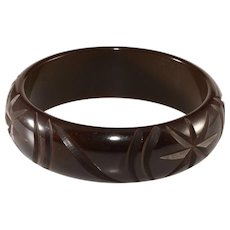 Bakelite Dark Brown Carved Bangle Bracelet Vintage
