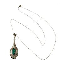 Emerald Green Art Deco Rhinestone Pendant Necklace