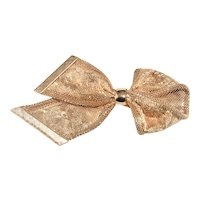 Napier Brooch Metal Mesh Ribbon Embossed Flower Pattern Vintage 1950s Pin