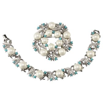 Sarah Coventry Alaskan Summer Faux Pearl and Turquoise Bracelet Brooch Set