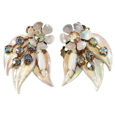 Selini SIGNED White Enamel Floral Leaf Earrings Vintage