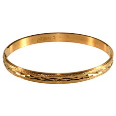 Trifari Bracelets Bangle Etched Gold Plated Vintage 1950s Size S