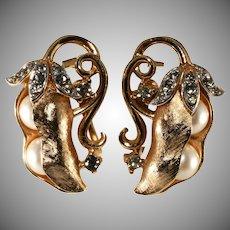 Trifari Peas in a Pod Faux Pearl Earrings Gems of the Sea Vintage 1960s