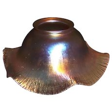 QUEZAL (pr.) Iridescent Ruffled Variegated Gold Art Glass Shades