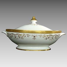"Royal Doulton ""Belmont"" Covered Vegetable Dish"