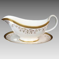 """Royal Doulton """"Belmont"""" Gravy Boat and Stand/Sauce Boat and Stand"""