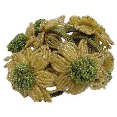 Nice set of 6 Irrediscent Italian Seed Bead Green Yellow Flowers Napkin Rings