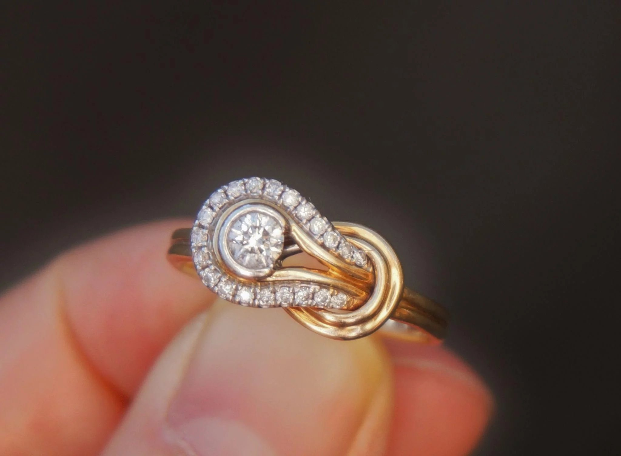 14k Yellow Gold Designer Infinity Love Knot Diamonds Ring