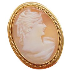 14K Yellow Gold Italian Signed Shell Cameo Pendant Brooch 1 1/4 X 15/16 inches