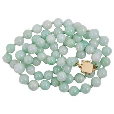 Beautiful Strand Apple Green Jadeite Jade Beaded Necklace Apple Green 14K Box Clasp