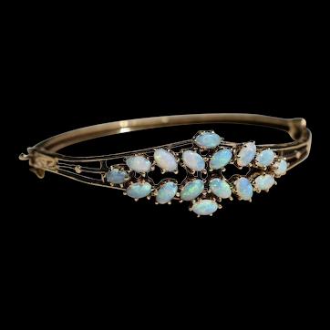 Vintage 14k Yellow Gold Top Quality Australian Crystal Opal Bangle Bracelet