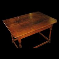 18th Century North Carolina Walnut Stretcher Base Tavern Table