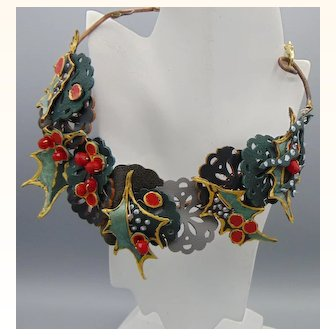 Painted Leather Holly Wreath Choker