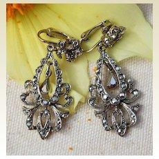 Vintage Silver Tone Metal Rhinestone Dangle Earrings