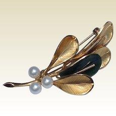 Vintage 14 K Gold Filled Wells Faux Pearl & Jade Brooch