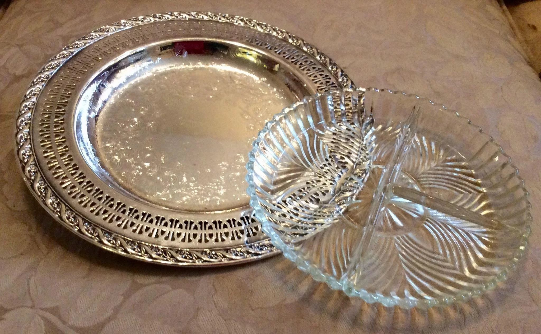 Vintage wm rogers son spring flower silverplate relish tray with click to expand change background vintage wm rogers son spring flower silverplate mightylinksfo