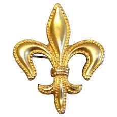 Vintage 10 K Gold Beaded Fleur D Lis Watch Pin Brooch