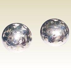 Vintage Sterling Silver Floral Motif Screw Back Earrings