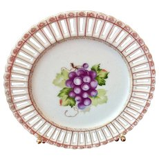 """Vintage Made In Occupied Japan 8 1/4"""" Grapes Decorative Plate"""
