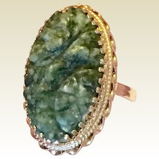 Vintage 14 K Gold Natural Untreated Carved Jade Ring