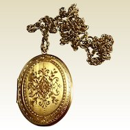 Vintage Gold Tone Large Costume Locket & Chain