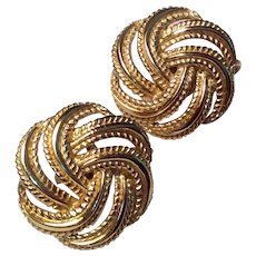 Vintage Signed Trifari Gold Tone Metal Basket Weave Clip Earrings