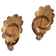 Vintage Gold Tone Metal Faux Pearl Clip Earrings Made In West Germany