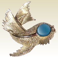 Vintage Silver Tone Metal Fish Brooch With Blue Eye