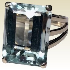 Vintage 1940's French 18 K White Gold 14 Carat Emerald Cut Aquamarine Statement Ring